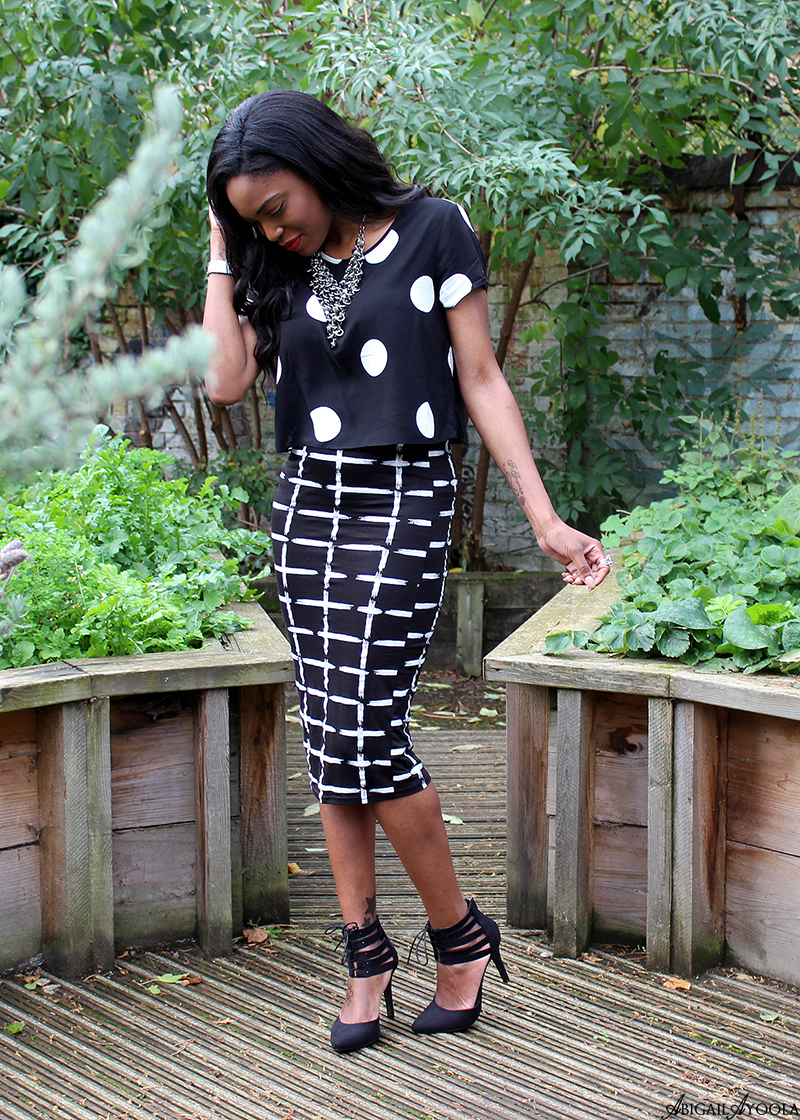 HOW TO MIX POLKADOTS AND STRIPES