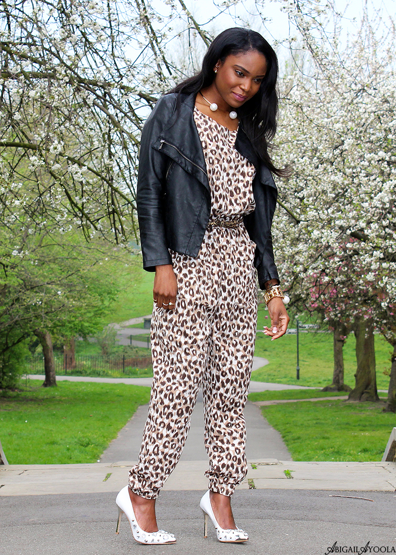 HOW TO STYLE A LEOPARD PRINT JUMPSUIT