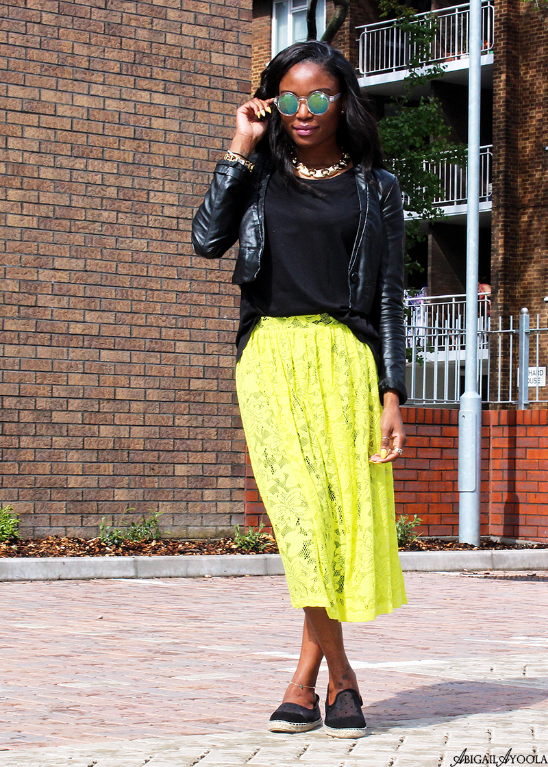 HOW TO WEAR BLACK & YELLOW
