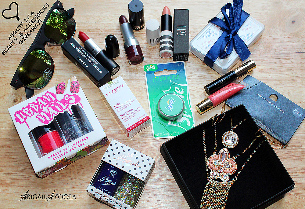 A BIG BEAUTY & ACCESSORIES GIVEAWAY