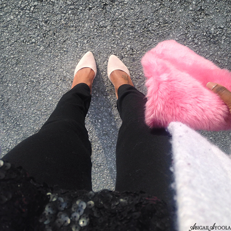 STYLING A PINK FAUX FUR SCARF
