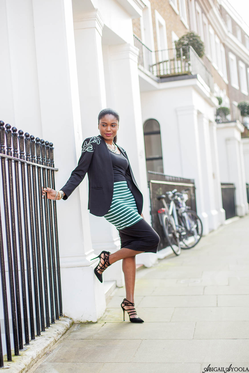 HOW TO WEAR A STATEMENT PENCIL SKIRT