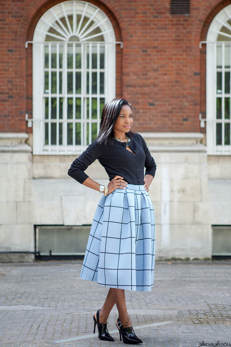 HOW TO WEAR A FULL CHECK SKIRT
