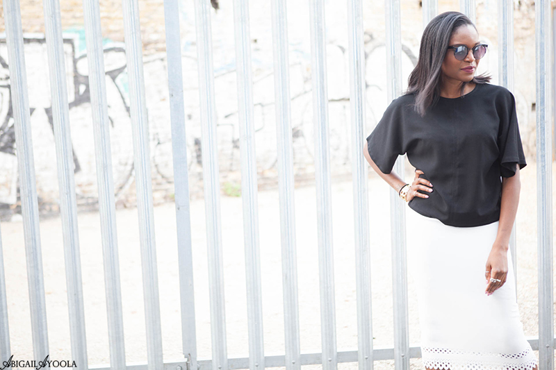 A SUMMER MONOCHROME OUTFIT
