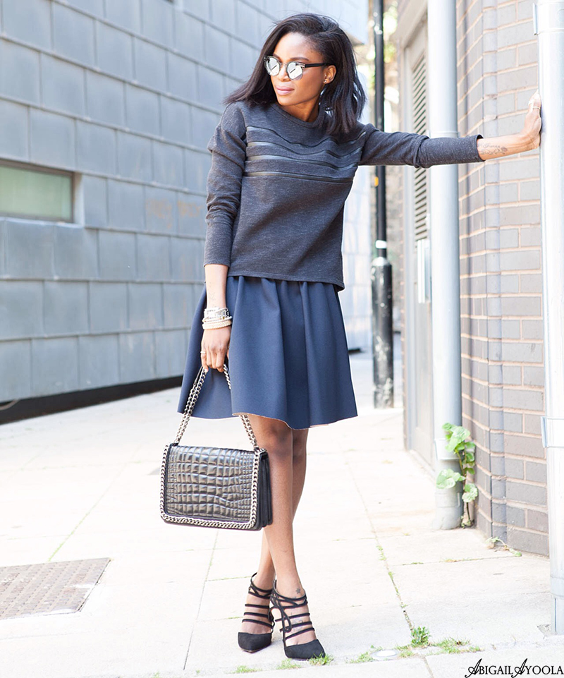 A CHIC BLACK & BLUE OUTFIT