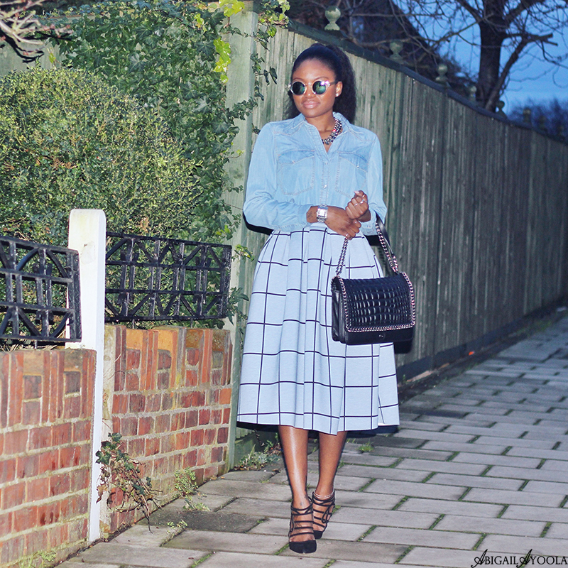 STYLING A FULL SKIRT WITH DENIM