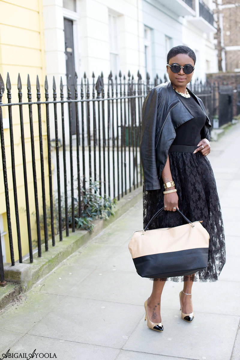 HOW TO WEAR A BLACK LACE SKIRT