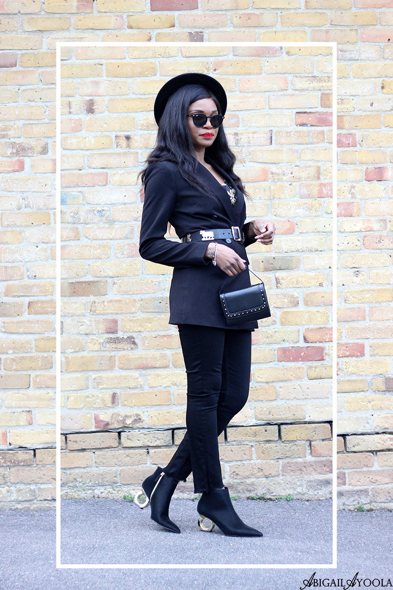 WEARING STATEMENT HEELS TO DRESS UP YOUR OUTFIT