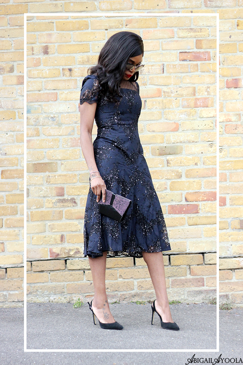 DRESSING UP NAVY BLUE FOR SPRING AND SUMMER